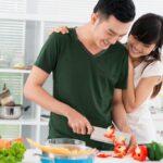 Những lợi ích khi đàn ông chia sẻ việc nhà cùng vợ, gia đình hạnh phúc