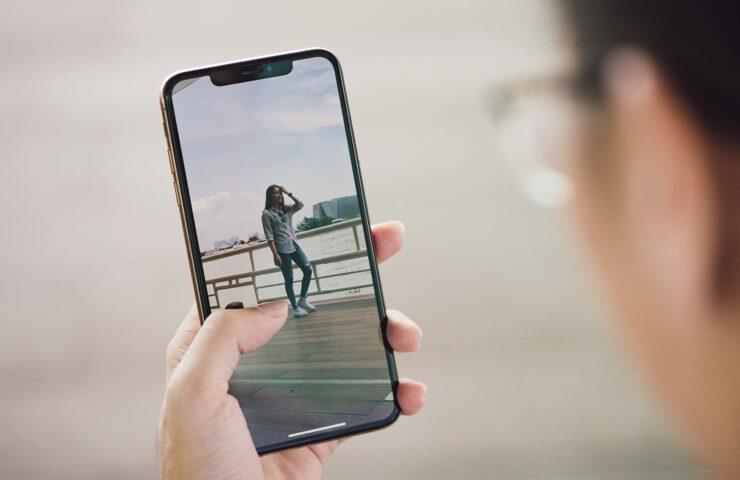 Apple đang khám phá công nghệ màn hình thực tế ảo trên iPhone