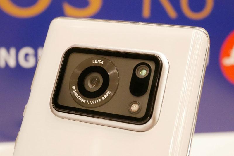 Sharp Aquos R6 được trang bị màn hình OLED IGZO