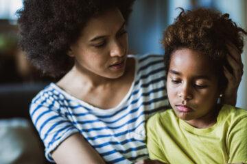 Trẻ bệnh trầm cảm: Nỗi lo của bố mẹ khi nuôi dạy con