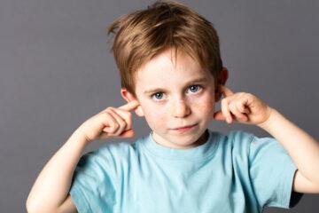 Con bướng bỉnh, bố mẹ nên dạy trẻ như thế nào?
