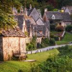 """Top 8 ngôi làng """"dị biệt"""" với thế giới bạn nên khám phá"""