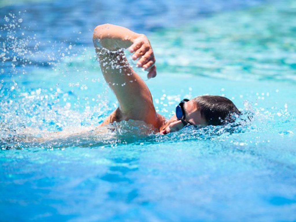 Bơi lội là bài tập tuyệt vời cho mọi người ở mọi lứa tuổi