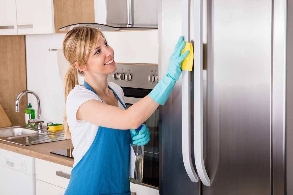 Luôn giữ tủ lạnh sạch sẽ