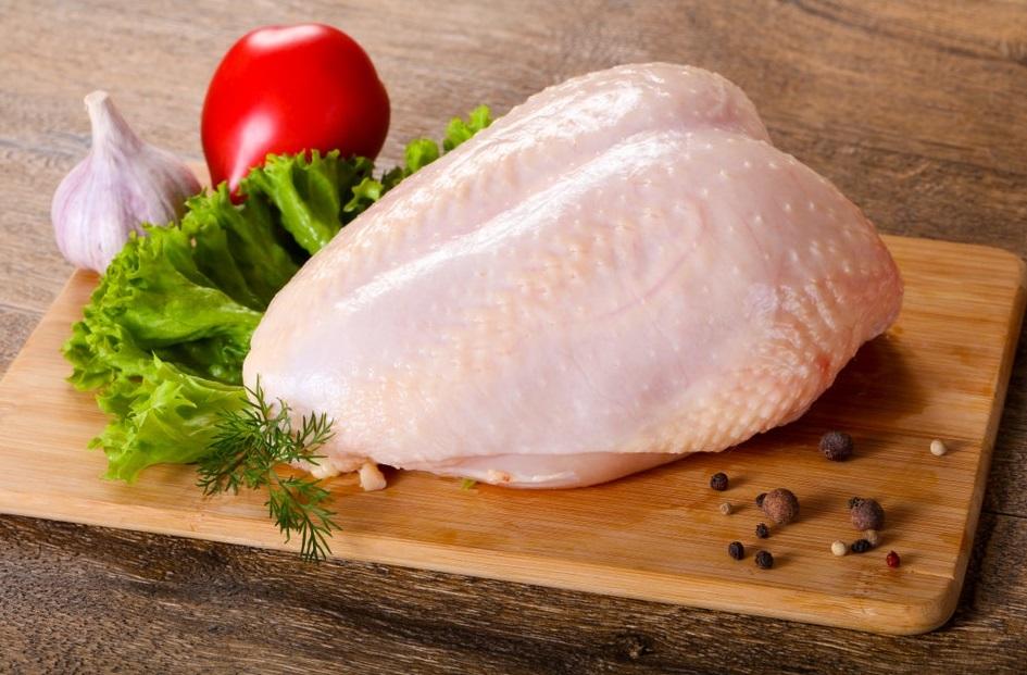 Ức gà là nguồn đạm hỗ trợ phát triển cơ bắp