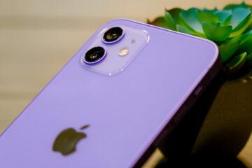 Trên tay iPhone 12 màu tím mê mẩn dành cho phái đẹp