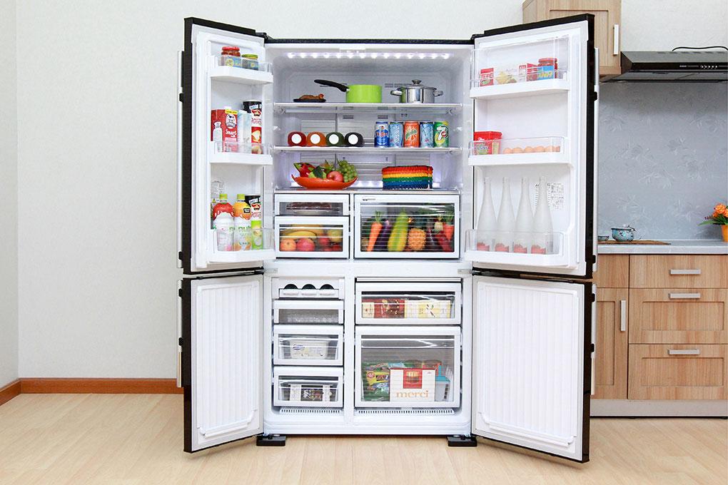 Dùng tủ lạnh loại lớn