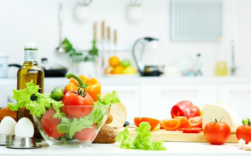 Rau xanh và hoa quả giúp ngăn ngưa ung thư vú