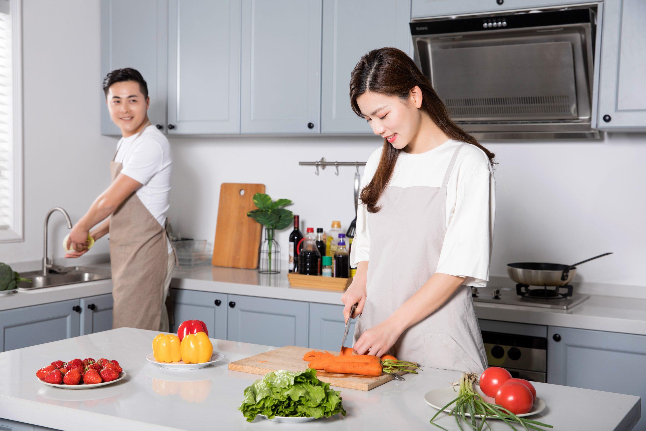 Phân chia công việc nhà giữa vợ và chồng hợp lý