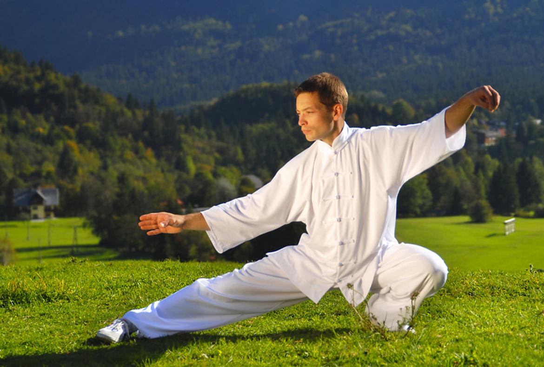Một hình thức tập thể dục nhẹ nhàng khác là thái cực quyền