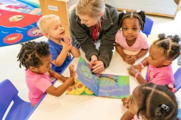 5 Cách dạy con xây dựng và phát triển tư duy phản biện