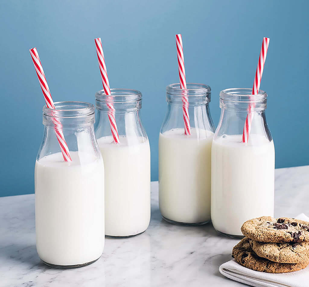 Uống nhiều sữa và và các chế phẩm tương tự