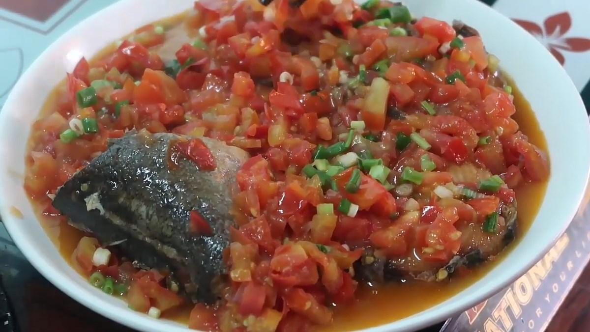 Cá ngừ đông lạnh sốt cà chua
